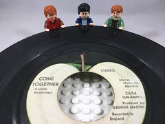 2018-224 - National Vinyl Record Day (Steve Schar) Tags: arthurweasley ronweasley harrypotter single nationalvinylrecordday vinyl record project365 iphone6s iphone sunprairie wisconsin 2018