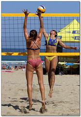 Volley Playa - 024 (Jose Juan Gurrutxaga) Tags: file:md5sum=f7924719e146b7edd3773cd4b4343ee2 file:sha1sig=4a4e1487e05eda0c53a73a5e190b8aab855bf777 volley playa beach hondartza boleibol voleibol semana grande zurriola donostia