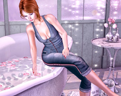 Too hot (coolrachelprice) Tags: maitreya catwa letre izzies powderpack exxess eclipsedesign shinyshabby
