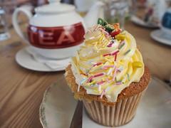 tea and cake (lism.) Tags: cafes tea cake cupcakes ccw callander travel scotland scottishtravel 2018
