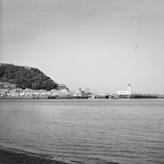 Scarbrough Lighthouse (Ian-Barber Photography) Tags: 6x6 mamiyac220 mediumformat film mono