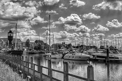 The beautiful Hull Marina, on a sunny day!😊🌞⛵ (LeanneHall3 :-)) Tags: groupenuagesetciel blackandwhite mono hull hullmarina kingstonuponhull boats ship spurnlighthouse buildings sky clouds fluffyclouds talkativeclouds bridge reflection landscape canon 1300d