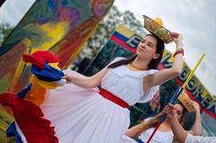 Fruit Basket Rain Dance (Kurayba) Tags: edmonton alberta canada hawrelak park william heritage festival 2018 ecuador woman women dancing dance dress white rain raining rainy pentax k1 dfa 100 f28 macro wr smcpentaxdfamacro100mmf28wr