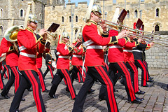 In uniforms and In unison (Can Pac Swire) Tags: windsor castle berkshire sl4 england english great britain british uk unitedkingdom royal residence soldier queensguards queensguard 2016aimg2328