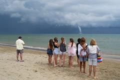 _DSC6529 (frangher) Tags: mare sea spiaggia beach weather trombadaria twister persone people temporale nikon d3100 riccione