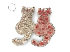 Wechsel Pailletten Applikation, CATS rose (patchmonkeys) Tags: patch glamour pailletten glam edel chic style no gros rücken brust applikation glamourös glizzy glitzern glitzerdinge strahlen disko fashion reflektion bling aufbügler edle edles aufnäher xl first rule rules katze patches klassisch stylisch flipflop katzen wechsel kippeffekt flip flop farbwechsel wendepailletten zauberpailletten wechselpailletten kätzchen