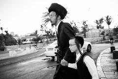 Orthodox Jews (Guido Caltabiano www.guidocaltabiano.com) Tags: orthodox orthodoxjews ortodosso religion religione ebraism jewish streetphotography street streetstyle jerusalem gerusalemme israel israele palestine blackandwhite canon 35mm 5dmarkiv