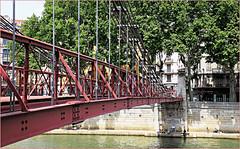 """""""Les pieds dans la Saône"""" Passerelle Saint-Vincent, Lyon, Auvergne-Rhône-Alpes, France (claude lina) Tags: claudelina france auvergnerhônealpes lyon passerelle fleuve saône passerellesaintvincent"""
