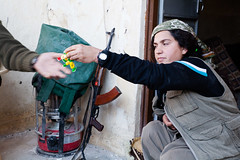 IMG_7554.jpg (Reportages ici et ailleurs) Tags: kurdistanirakien urbanwar kurdes sinjar pkk yezidis peshmerga battle city yekineyenberxwedanshengale ybs guerre shengal ezidis guerreurbaine yannrenoult fight bataille war isis hpg ypg yjastar etatislamique montagne guerilla kurd ville yekineyenparastinagel mountain