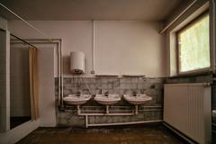 Three Sinks (Ralph Graef) Tags: sink bathroom restroom shower inside dilapidated interior decay disused derelicted abandoned desolation urbex window