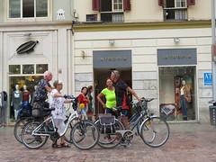 Space Invader MLGA_17 (tofz4u) Tags: streetart artderue invader spaceinvader spaceinvaders mosaïque mosaic tile malaga andalusia andalousie espagne spain españa andalucía málaga costadelsol mlga17 vélo velo bike bicycle bicyclette street rue people