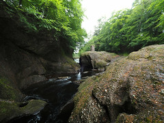 F7133900 F7133901 E-M5ii 7mm iso100 f11 0.3s (Mel Stephens) Tags: rocks of solitude glen angus uk scotland aberdeenshire 20180713 201807 2018 q3 4x3 wide olympus mzuiko mft microfourthirds m43 714mm pro omd em5ii ii mirrorless water structure abandoned derelict ruin bridge footbridge landscape river north esk