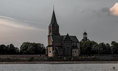 Emmerich am Rhein (st.weber71) Tags: nikon nrw niederrhein kultur kirche rheinland rhein wasser deutschland d850 germany fluss abendstimmung architektur gebäude emmerich
