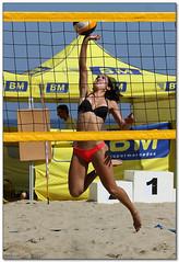 Volley Playa - 029 (Jose Juan Gurrutxaga) Tags: file:md5sum=aca6d9fd1240214568c64bbb59d03a7e file:sha1sig=a10f8b710715f9c9eafd8c0da939f6118487cd8a volley playa beach hondartza boleibol voleibol semana grande zurriola donostia