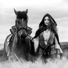 Léona juillet 2018-176.jpg (Alain FAY) Tags: noiretblanc nb bw blackandwhite blackwhite cheval horse portrait model modèle medieval costume