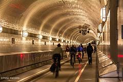 Alter Elbtunnel / Old Elbe Tunnel (peterkaroblis) Tags: alterelbtunnel oldelbetunnel eingangelbtunnel entranceelbtunnel stpaulilandungsbrücken hamburg hafen harbour verkehrswege trafficways fahrrad bicycle tunnel fusgänger pedestrians