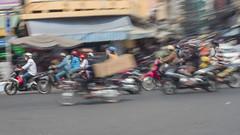 Traffic, Saigon (Rossyplaya) Tags: movimiento movement trafico traffic vietnam saigon motocicleta streetphoto streetphotography