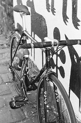 000135860005 (Harry Toumbos Photo) Tags: 35mm film ilford hp5 canon f1 50mmf12l melbourne laneway street art cycling bike road classic retro vintage steel columbus tsx campagnolo shimano dura ace ultegra