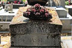Cimetière du Montparnasse # 2 (just.Luc) Tags: grave graf tombe friedhof cemetery begraafplaats kerkhof cimetière parijs parigi paris îledefrance france frankrijk frankreich francia frança necropolis flowers bloemen fleurs blumen