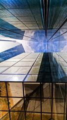 Géometrie (L'Abominable Homme de Rires) Tags: ladéfense paris iledefrance architecture skyscraper gratteciel immeuble building canon5d 5dmkiii sigma 24105mmf4 dxo photolab lightroom