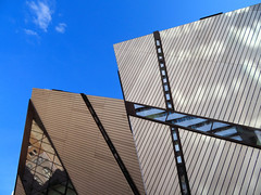 Royal Ontario Museum, Toronto, Canada (duaneschermerhorn) Tags: toronto ontario canada city urban downtown architecture building skyscraper structure highrise architect modern contemporary modernarchitecture contemporaryarchitecture museum rom