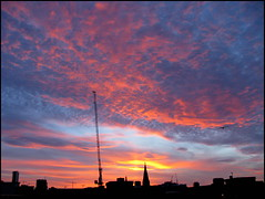 Sunset over the cranes of Birmingham (Wagsy Wheeler) Tags: birmingham birminghamcitycentre citycentre sunset dusk evening cranes crane sun silhouette cloud clouds skyline horizon