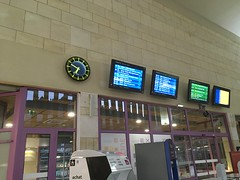Poitiers station (Dradny) Tags: daytrip vacance travelling travel departurescreen departure poitiersstation tgv poitiers paris