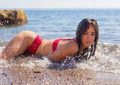Refrescante (josmanmelilla) Tags: retratos modelos playas playa melilla españa verano biquini azul mar agua pwmelilla flickphotowalk pwdmelilla pwdemelilla