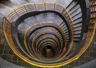Treppenhaus Sprinkenhof - Warum erinnert es mich so an Deutschland?