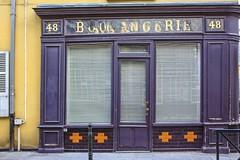 Puteaux stroll (cbizdadea) Tags: boulangerie canon