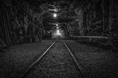 deep unter the mountains - Tief unter dem Berg (ralfkai41) Tags: ngc stollen bergbau monochrom mine tunnel schwarzweis sw bw mining bergwerk erzgebirge oremountains blackwhite markusröhlingstolln annabergbuchholz