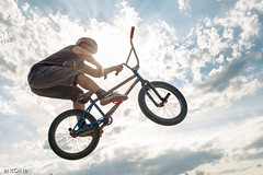 In the air ('aNtOiNe') Tags: antoine antoinepillaud bike bmx street sport figure tricks freestyle d800 35mm europe 87 limousin limoges nikon cloud dirt mbk bicycle vélo roue style sigmaart summer sunset sigma sun