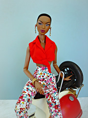 The Faces of Adele (Deejay Bafaroy) Tags: facesofadele adele makeda integrity toys fashion royalty thefacesofadele doll puppe fr black red rot schwarz vespa miniature miniatur 16 scale playscale portrait porträt