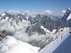Mont Blanc view of Alps (Jonathon Bennett Photos) Tags: montblanc chamonix ski bluesky alps mountainrange phaseone captureone snowpeaks thealps frenchalps swissdalps