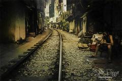 0S1A6935 (Steve Daggar) Tags: hanoi vietnam vietnamese trainstreet hanoitrainstreet street candid urban painterly moody dramatic