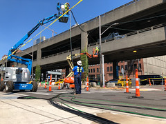 Installing a new signal on the future alignment of Alaskan Way (WSDOT) Tags: seattle gp construction wsdot sr99tunnel alaskanwayviaductreplacement alaskanway traffic shift viaduct removal demolition