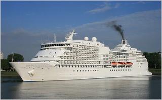 Cruise Ship Seven Seas Navigator ...   Regent Seven Seas Cruises.     Turning.