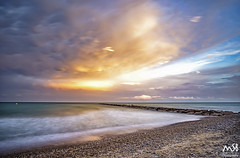 PLAYA_GRAO_BIURRIANA_AGOSTO_2018 (MSB.Photography) Tags: burriana grao castellon sony a7iii a7m3 ilce7m3 samyang playa beach granangular wideangle atardecer sunset nubes clouds paisaje landscape seascape piedras stones agua sea mar costa cielo sonya7iii sonya7m3 puestadesol océano bahía roca largaexposicion largeexposure samyang12mm