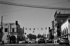 (lili_kanio) Tags: street city bnw usa californie california losangeles venicebeach