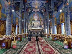 Estatua de Buda en el Wat Rong Suea Ten (Templo Azul), Chiang Rai, Tailandia