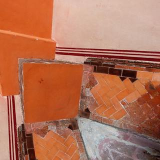 brick and stuccostract