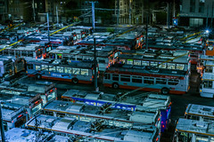 muni yard - presidio divison (pbo31) Tags: bayarea california nikon d810 color july summer 2018 boury pbo31 sanfrancisco city urban night dark black anzavista gearyboulevard roadway traffic muni bus over