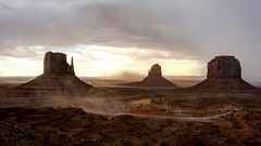 Iconic view of Monument Valley (Jump83) Tags: monumentvalley hdr