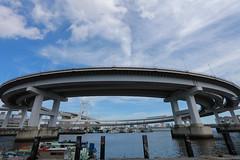 Tokyo Architecture レインボーブリッジ 02 (sunuq) Tags: tokyo japan 日本 canon eos 5dsr ef1635mmf28liiusm ef1635mm llens レインポーブリッジ 橋 東京 青空 未来 台場 water city sea sky