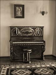 Music room in Bran Castle (ktorfa86) Tags: piano oldpiano brasov bran brancastle draculacastle romaniacastle vladtepes vladcepes vladdraculcastle musicroom antiquepiano