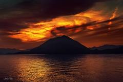 Lake Como between Menaggio & Varenna (Asa-Photography) Tags: lanscape nikon italy como menaggio bellagio varena 1680mm mountain lake sunsent d500