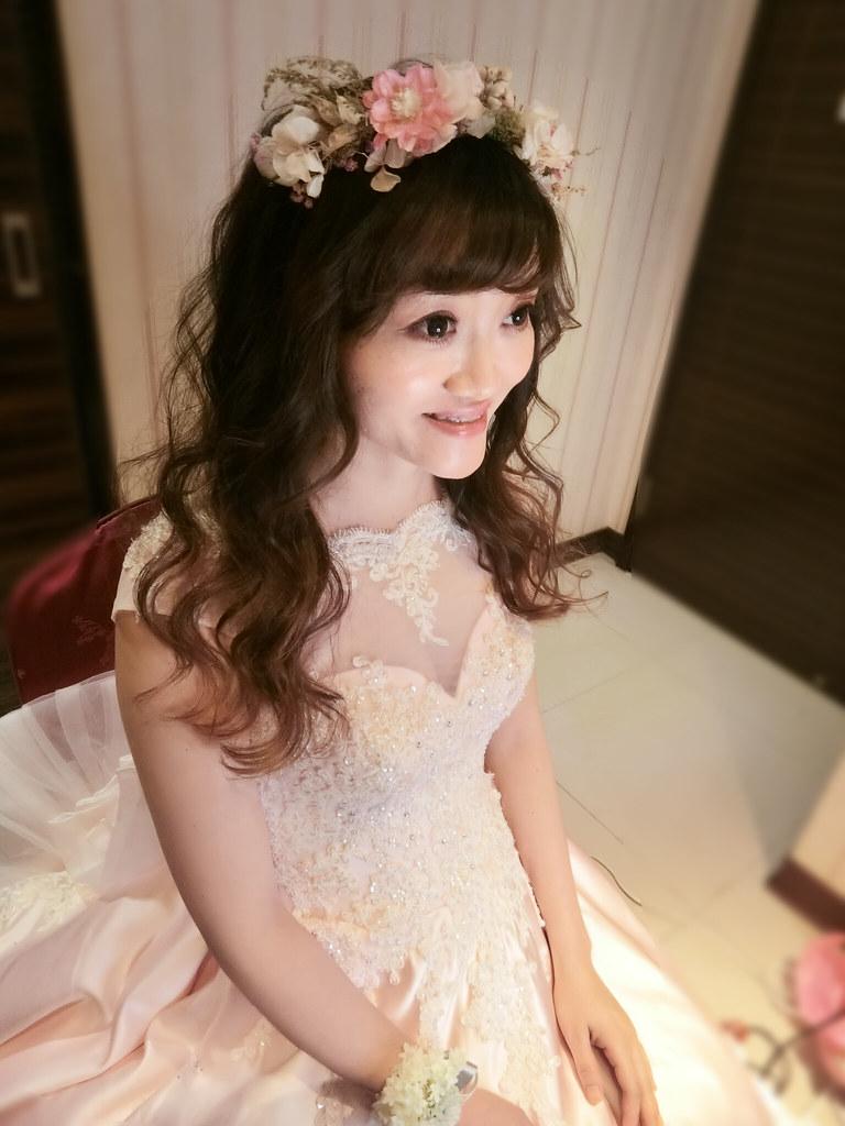 【新秘蓁妮】bride孟君 結婚造型 / 台中雅園新潮