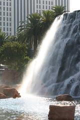 The Mirage, Las Vegas, October 25th 2004 (Southsea_Matt) Tags: lasvegas nevada usa unitedstatesofamerica october 2004 autumn canon 10d lasvegasboulevard thestrip themirage hotel