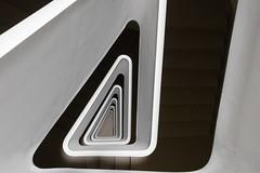 ∆ (michael_hamburg69) Tags: hamburg germany deutschland hansestadt stair stairs stairway treppenhaus stairwell steps escalier escala escalera ле́стница rampa scala architekt architecture architect modern jürgenmayerhermann jmayerh cogiton bürohaus office building triangle dreieck steckelhörn