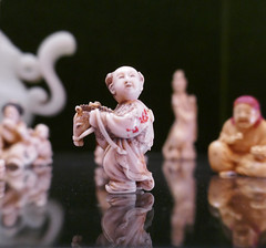 Child plays with a toy horse - carved ivory Japanese netsuke (Monceau) Tags: muséedulouvre child toyhorse japanese netsuke carved ivory reflection odc alltheworldsastage hobbyhorse 215365 365picturesin2018 365the2018edition 3652018 day215365 03aug18
